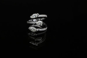 web-ps-diamond-claw-ring-in-white-gold