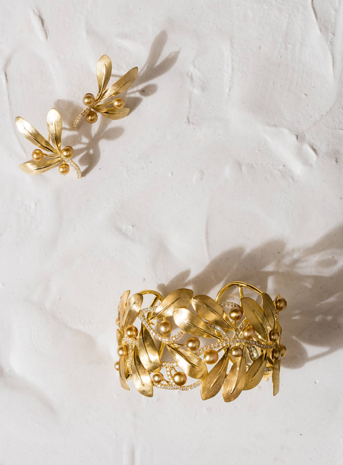 webPaul-Syjuco-bangle-and-earrings-of-gold-leaves-golden-keshi-and-diamonds