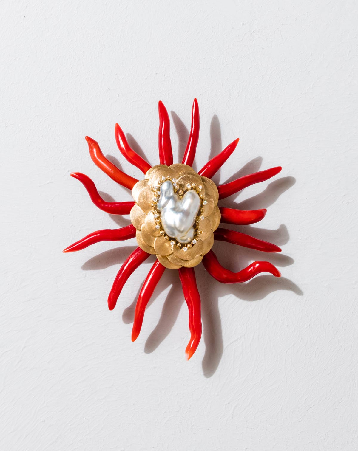 webPaul-Syjuco-brooch-of-natural-coral-baroque-keshi-pearl-and-diamonds-in-gold